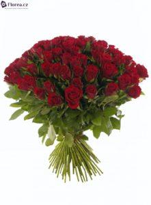 Vázaná kytice 100 růží