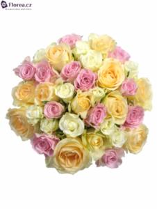 Vázaná kytice růží